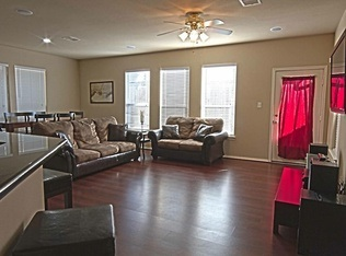 1 675 3br 32 Large Townhome Apts Housing Houston