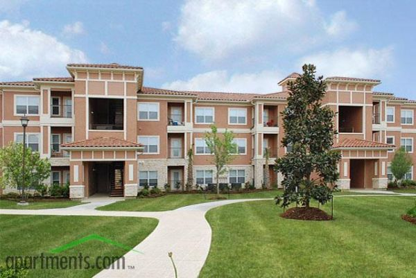 $796 Newer Modern 1 Bedroom 1 Bath Washer and Dryer Included (LEAGUE CITY)