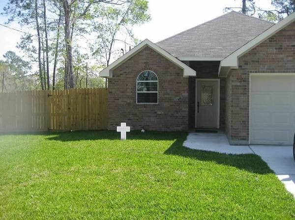 $1195  3br - 1420ftsup2 - Lake Chateau Woods House for rent (Conroe, TX)
