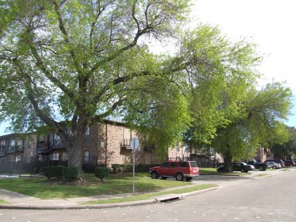 x0024600 661ftsup2 - Newly renovated apartments with ceramic tile w spacious floor plans. (10000 Hammerly- Spring Branch)