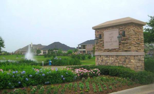 - $850 2500ftsup2 - Beautiful HomeLakes of Highland Glen (Pearland, TX)
