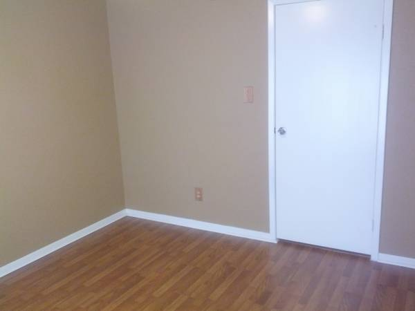 - $500 Fantastic Room for rentPrivate bathroom private bedroom (Westheimer Jeanetta(close to Fondren))