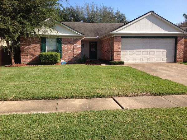 $500 unfurnished includes utilities (Sugar land)