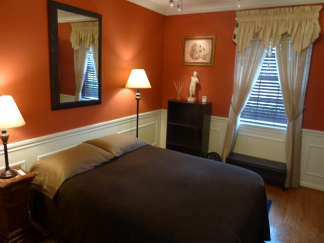 $579, Fully furn. all bills incl. bdrm in beautiful clean quiet home.
