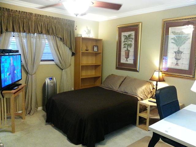 $639, Clean quiet furn room in beautiful peaceful super quiet and clean home