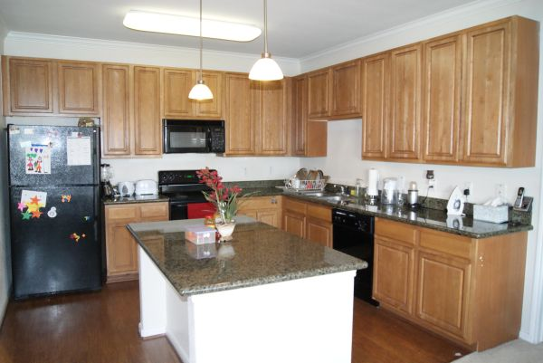 $1000  2br - 1287ftsup2 - Subleasing 2 Bed Rooms, 2 Baths, Kitchen with Island and granite top  (Camden Downs at Cinco Ranch)