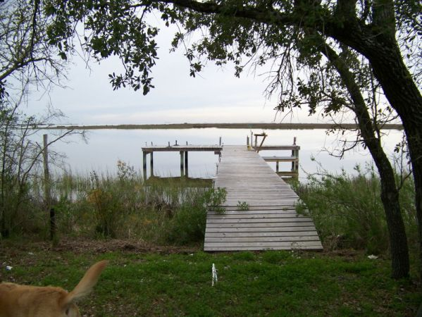 $475 2br - 1100ftsup2 - Rural and Private Bayfront (Smith Point Tx.)