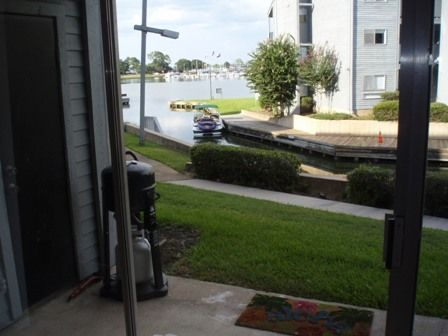 $125 1br - Condo on lake Conroe-Waterfront view-Park your boat outside the door (Lake Conroe, TX)