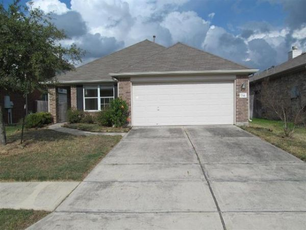 $70000  3br - 1244ftsup2 - 2004 PIONEER HOME in Foxwood (Aldine ISD) (Humble - 77338)