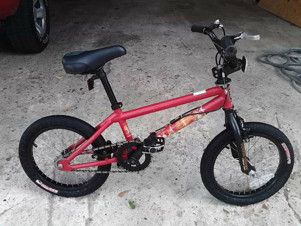 16 inch Haro freestyle BMX   very good condition and clean - $100 (Barker Cypress)