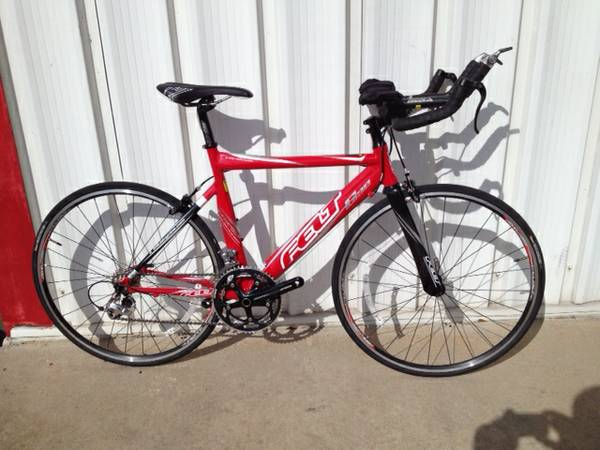 S32 FELT TRIATHLON BIKE SHIMANO - $950 (league city)