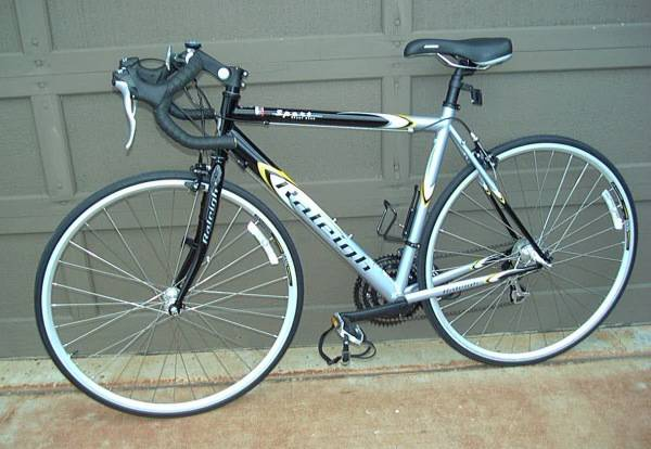 Raleigh Sport Road 2005ish, Tall - $250 (Cypress)