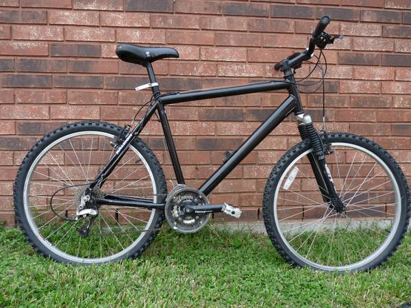 Raleigh M80 Mountain Bike - $150 (League City)
