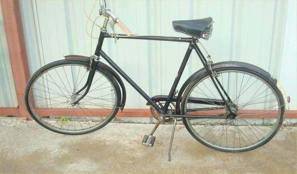 ANTIQUE EUROPEAN BICYCLES AND MOPED FOR SALE MAKE ME AN OFFER (SW HOUSTON)