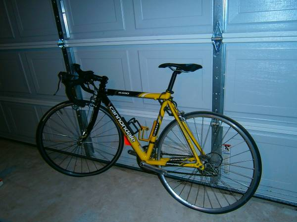 Cannondale r400 road bike RARE bicycle - $500 (spring)