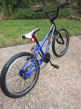 SPECIALIZED HOTROCK 20 BMX BIKE BICYCLE VERY NICE MUST SEE - $125 (NW HOUSTON)