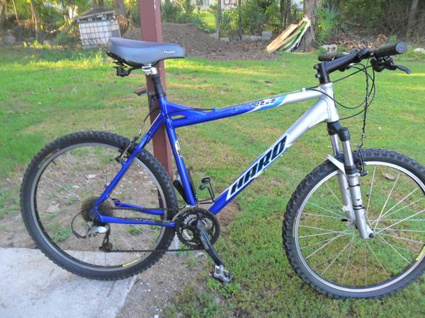 HARO V-4 VFG MOUNTAIN BIKE  - $195 (MED CENTERNORTHLOOP)