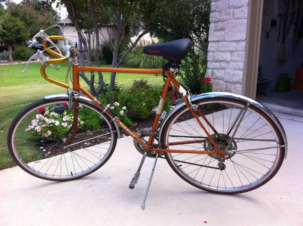 58cm Road Bike - Schwinn Varsity 10-Speed - $150 (Med Center - West U)