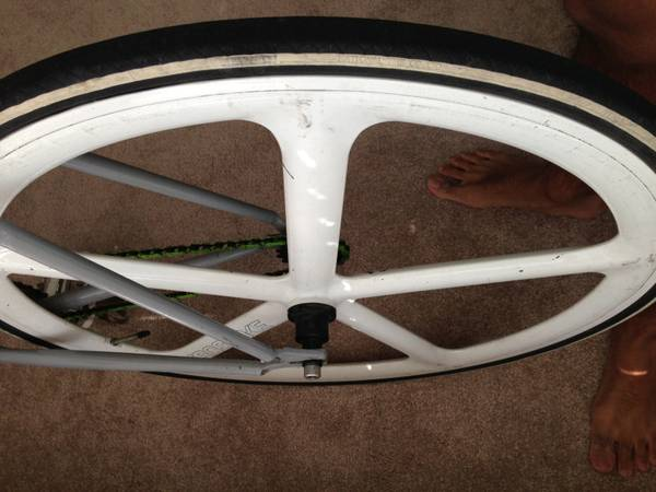 Aerospoke TrackFixie Wheel-set in White - $550 (Museum District)