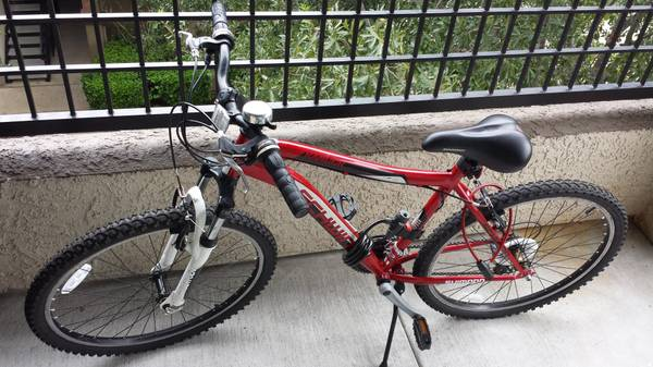 Schwinn Mens Ranger 26 Mountain Bike with Accessories - $155 (Houston, TX-77063)