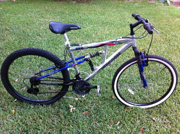 Mongoose Aluminum Mountain Bike - $55 (North Houston)