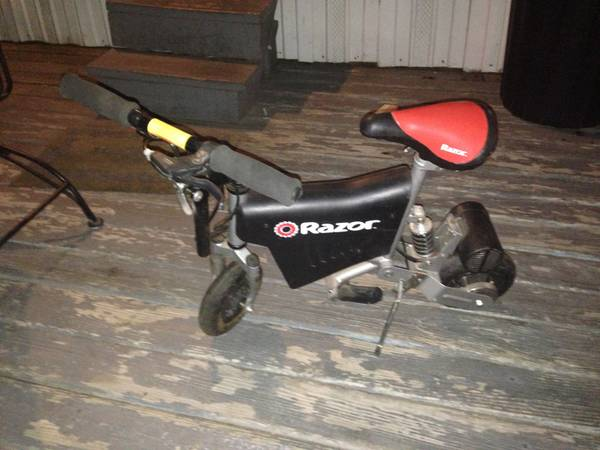 Razor mini electric bike - $12 (West little York )