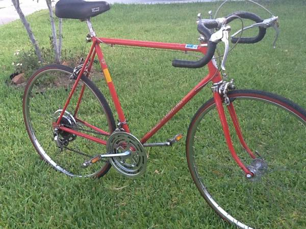 Schwinn(continental)Road Bike - $150 (Fm1960Jones Rd.)