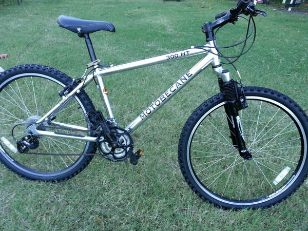 MOTOBECANE 300HT MOUNTAIN BIKE - $200 (61059 north)