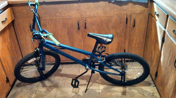 boys 20 mongoose freestyle bike - x002450 (Pasadena)
