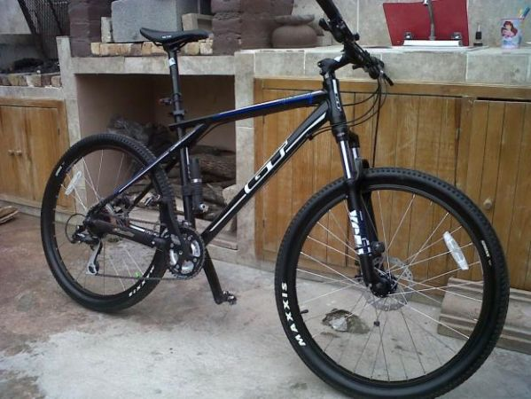 price drop... gt avalanche 3.0 mountain bike - $400 (near galleria)