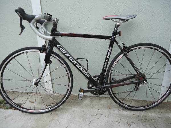 2009 Cannondale SIX 5 - Carbon tail Road bike - 51cm - $900 (Downtown)