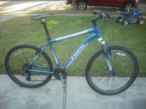 139db391c6b Aluminum Trek 3700 MTB 18 frame 26 tires - $95 (Sugar land )