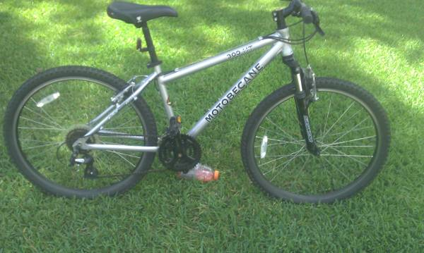Motobecane 300ht mountain bike - $175 (SpringKlein)
