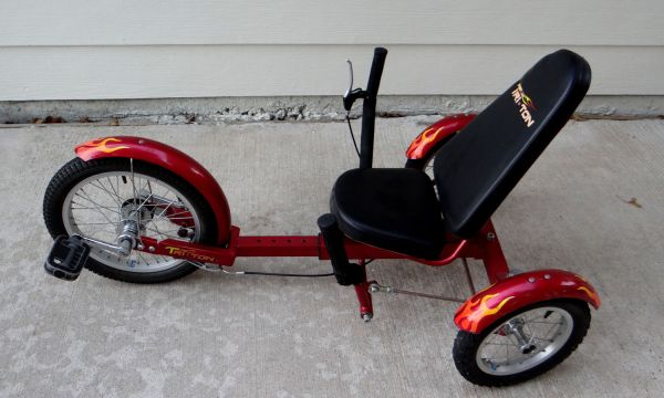 16 RED TRITON 3-WHEEL BICYCLE CRUSIER - $150 (FRIENDSWOOD)
