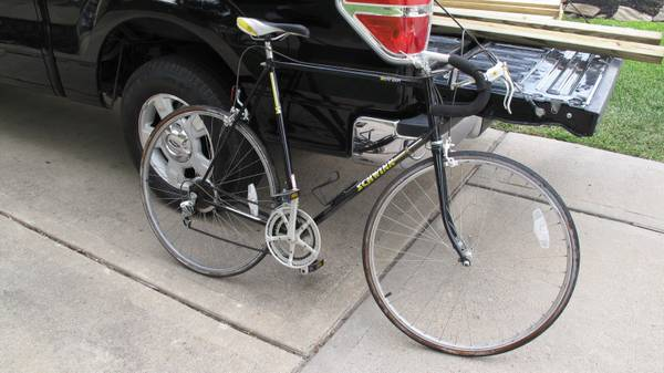 Vintage Schwinn World Sport Road Bike - XL Frame - $100 (Cypress)