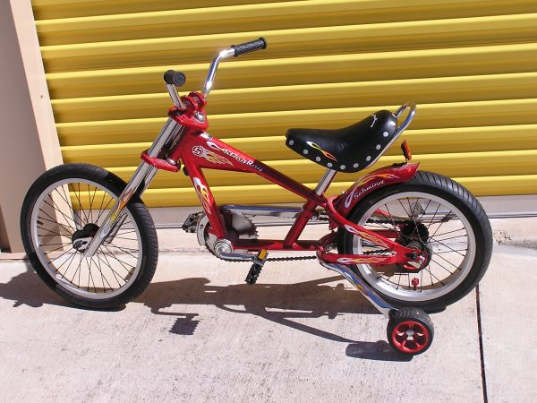Schwinn Stingray Chopper Bike - $125 (Montgomery Magnolia Conroe)