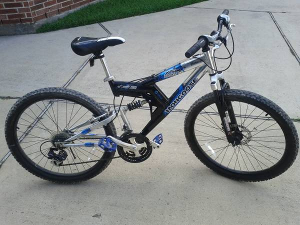 Mongoose 26disc XR-200 mountain bike - $150 (Spring,TX 77386)