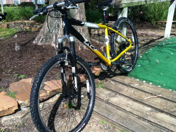 K2 Zed 2.0 mountain bike Judy Jones - $250 (West)