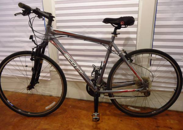 SCOTT SPORTSTER  ROAD  TRI  HYBRID BIKE  - $415 (Houston  Midtown  HCC)