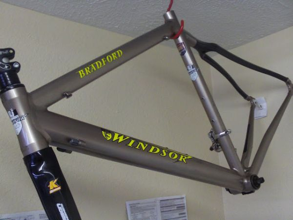 96589658WINDSOR ROAD BIKE FRAME AND PARTS - $250 (pasadena)