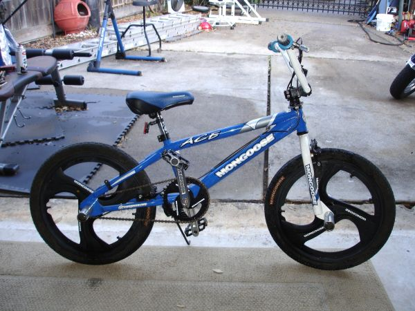 MONGOOSE ACE BMX Mint Condition 20 tires lt----DEAL - $50 (Katy)