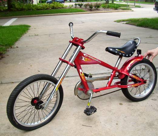 SCHWINN Stingray CHOPPER BICYCLE - $90 (Missouri CitySugar Land)