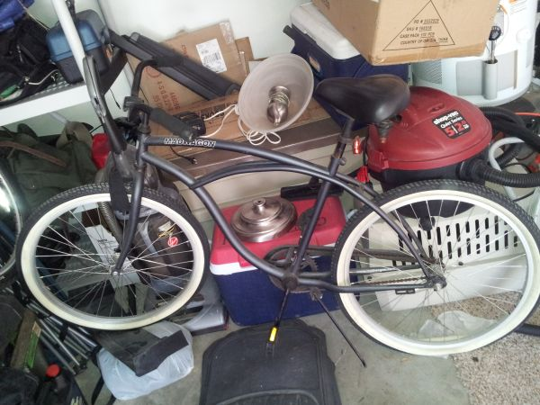 flat black beach cruiser bicycle - $90 (west Houston)