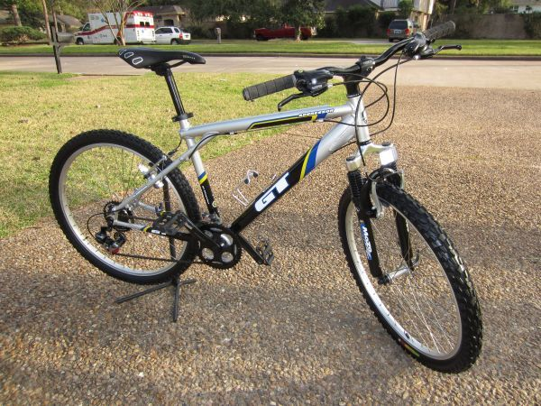 GT AGGRESSOR 21 SPEED MOUNTAIN BIKE PERFECT MUST SEE - $195 (NW HOU)