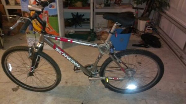 Schwinn Ranger 26 bicycle, 21-speed, headlighttaillightspeedometer - $95 (League City)