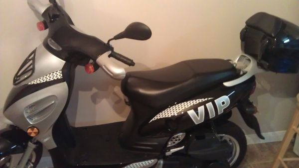 v.i.p moped - $1200 (Katy, Tx)