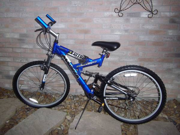 26 MAGNA EXCITOR BICYCLE - $65 (NW HOUSTONSPRING)