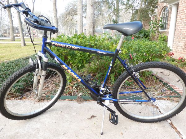 SHIMANO MENS FUGITIVE BIKE,DVDRS,SHELF,REFRIG,PHOTO PRINTER,TONER CAR (3718 GLENWOOD DR,RIGHMOND OFF FM359)