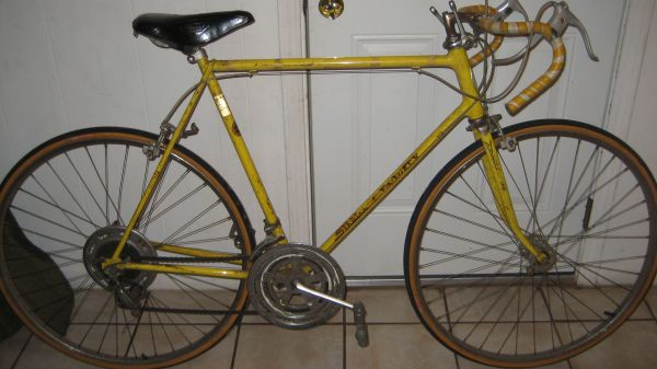old 10 speed schwinn road bike - $65 (45south houston and edgebrook)