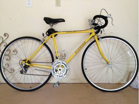 VINTAGE MENS SCHWINN CALIENTE 10 SPEED - $130 (HOUSTONKATY)
